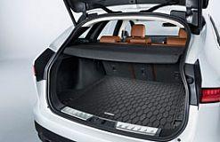 T4A4218 Kofferraumboden